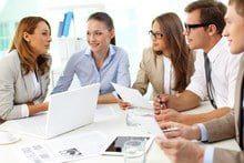 Equipe de travailleurs en réunion