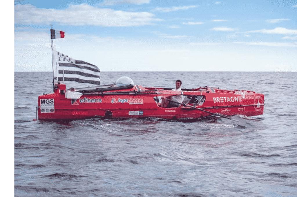 Guirec Soudée dans son bateau pour la traversée à la rame